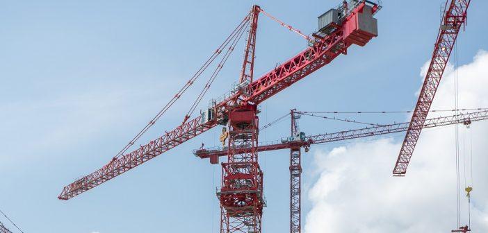 Potain MD 3200 Crane Expedites Dam Project in British Columbia
