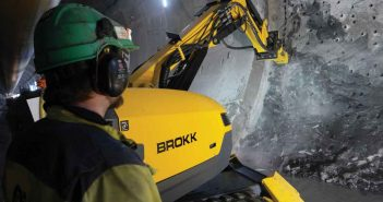 Brokk B500 cross passage