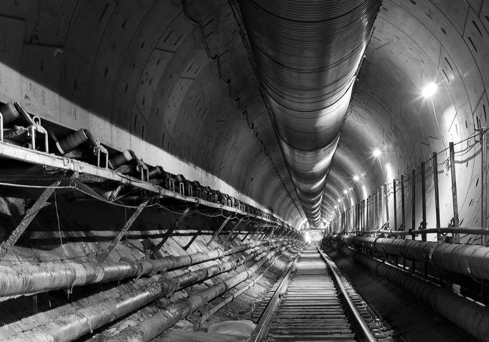 tunnel construction on the Purple Line Extension